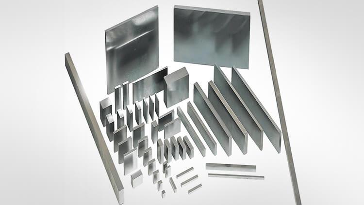 Materialien und Halbzeuge